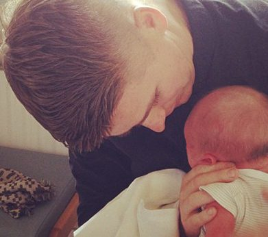 Brian And Pippa Show Baby Ollie To The World (RSVP)