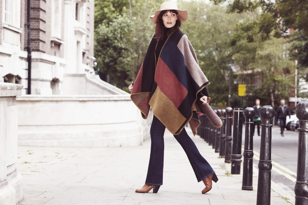 Colour block cape and plait brim hat