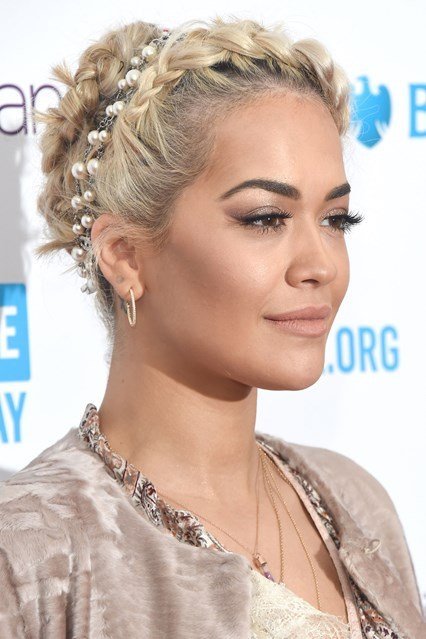rita-ora_glamour_7mar16_getty_b_426x639