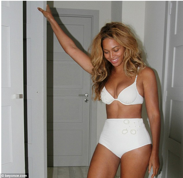 beyonce-white-trefle-designs-bikini-