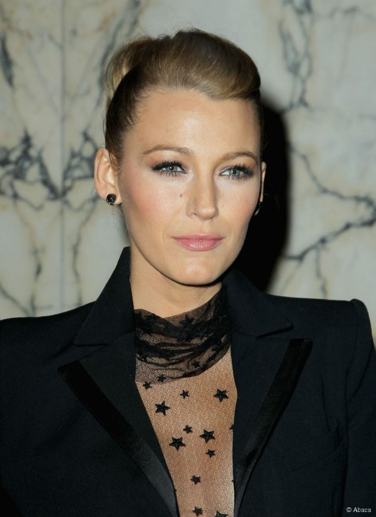 3186-blake-lively-at-the-age-of-adaline-905x0-3