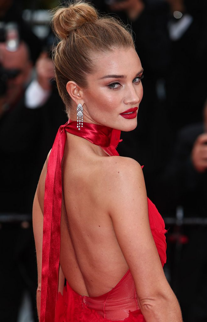 rosie-huntington-whiteley-alexandre-vauthier-dress6